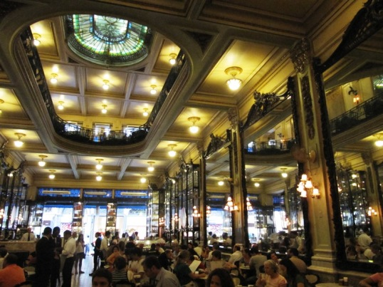 Cafe Columbo