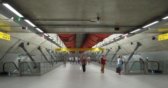 The clean metro of São Paulo