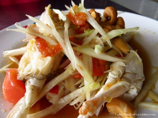 Green papaya salad with crab