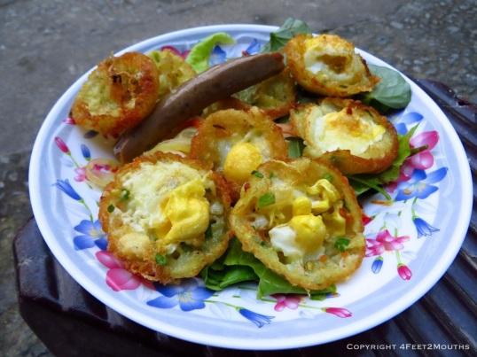 Bún thịt nướng rice cakes with quail eggs