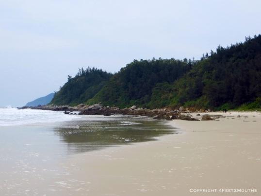 Bai Tu Long beach
