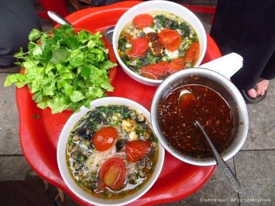 Snail soup called bún óc