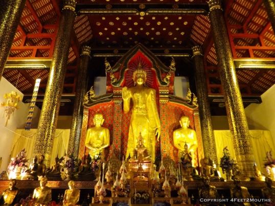 Buddha presiding over Wat Chedi Luang