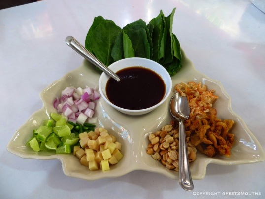 The deliciously simple miang khanna at Krua Apsorn