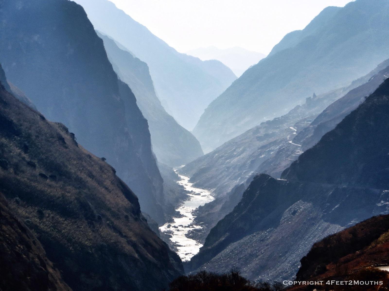 Trekking Tiger Leaping Gorge By Nathan 4 Feet 2 Mouths