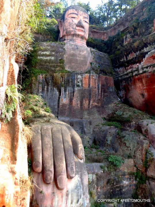 222ft carved statue of Buddha