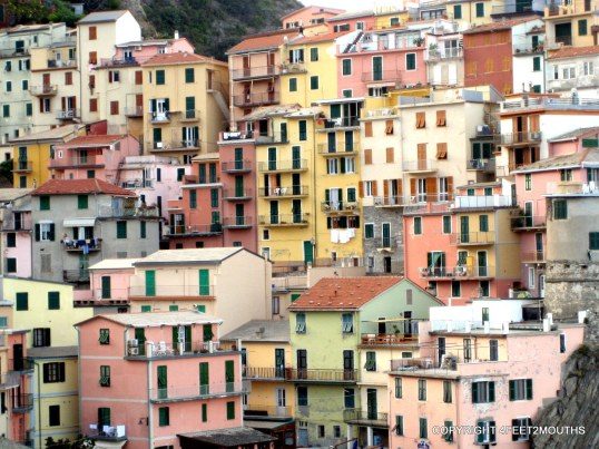 Five weeks in Europe in 2006: Monarola cliffside homes, Cinque Terra Italy